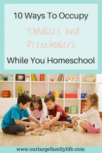 Homeschooling with toddlers and preschoolers underfoot can be a challenge. But there are things you can do to make it go smoother. Check out these 10 ways to occupy your toddlers and preschoolers while you are homeschooling.